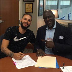 Signature du nouveau contrat de Fournier au Magic